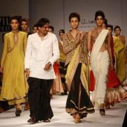 Indian Fashion Designer Anand Kabra on the ramp at Wills Fashion Show