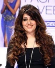 "Archana Kochhar-Archana Walking the Ramp | Kochhar Draws Inspiration From ""Make In India"" Campaign!"