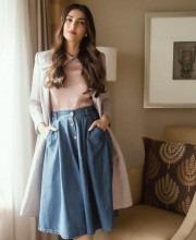 Sonam Kapoor Wears Elegant Ensemble to The Tara Sharma Show